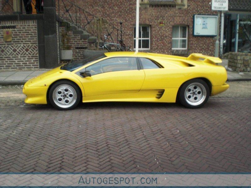 2010 Lamborghini Diablo photo - 2