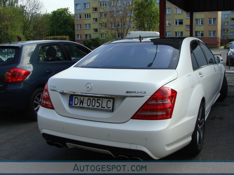 Mercedes benz s 63 amg w221 2010 30 april 2010 autogespot for Mercedes benz w221 price