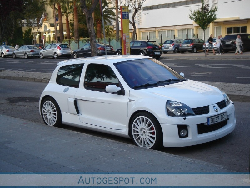 renault clio v6 phase ii 16 may 2010 autogespot. Black Bedroom Furniture Sets. Home Design Ideas