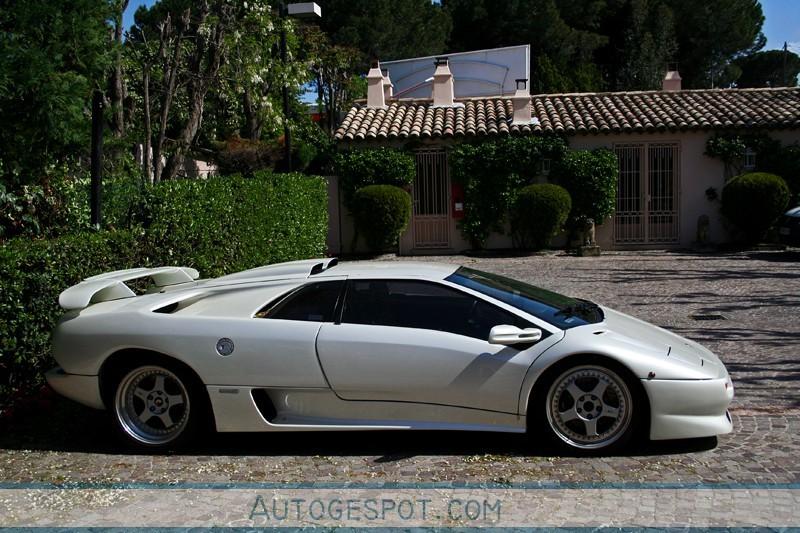 2010 Lamborghini Diablo photo - 1