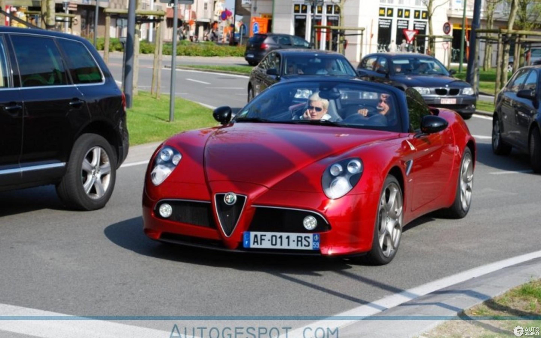 Alfa Romeo 8C Spider 9 May 2010 Autogespot