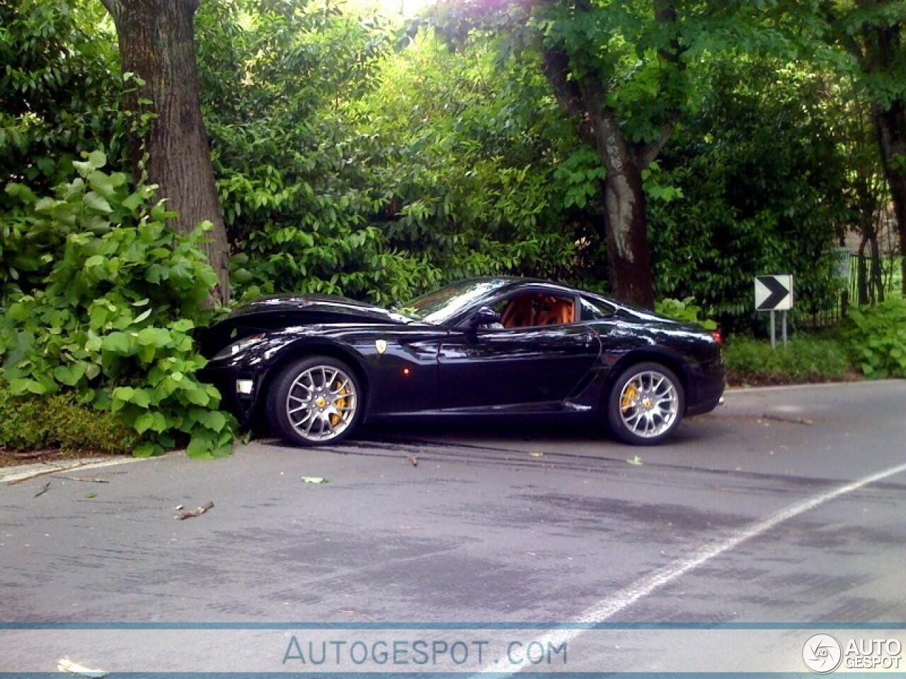 Vandaag tien jaar geleden bleef deze Ferrari niet op het rechte pad