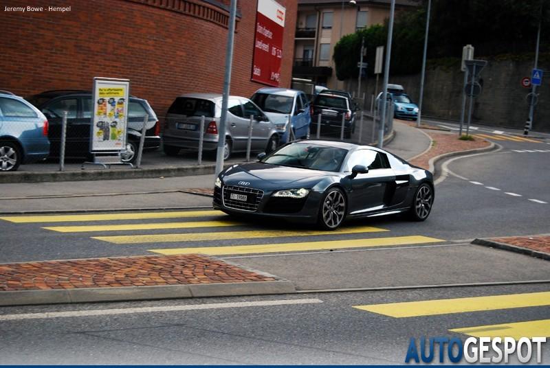 Audi R8 V10 1