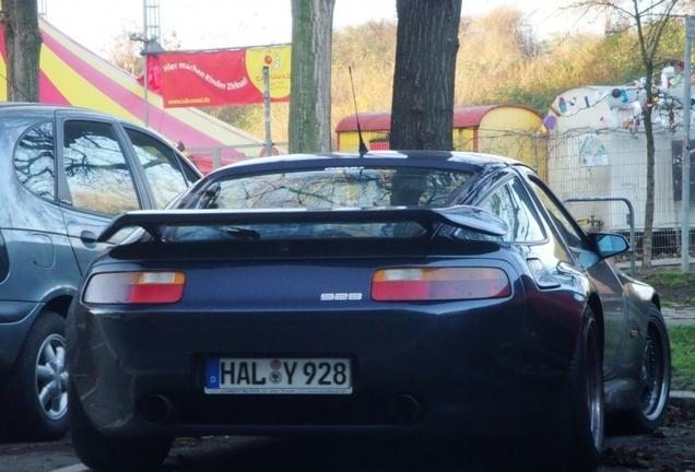 Porsche Strosek Ultra 928